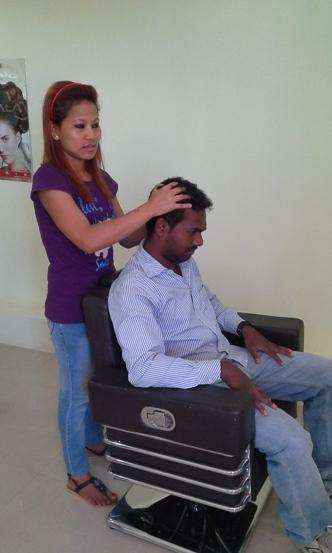 AFHRODIT unisex salon - head massage
