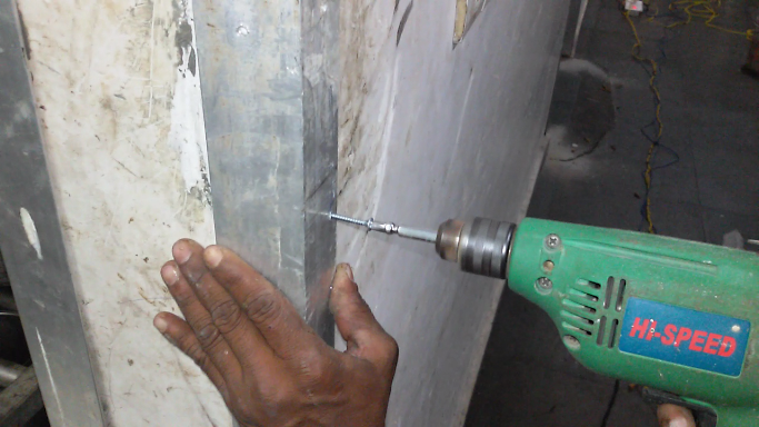 How to install a heavy metal wall corner bead