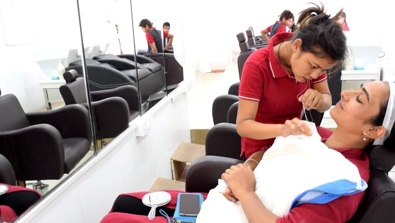 Miracle Touch customer at salon